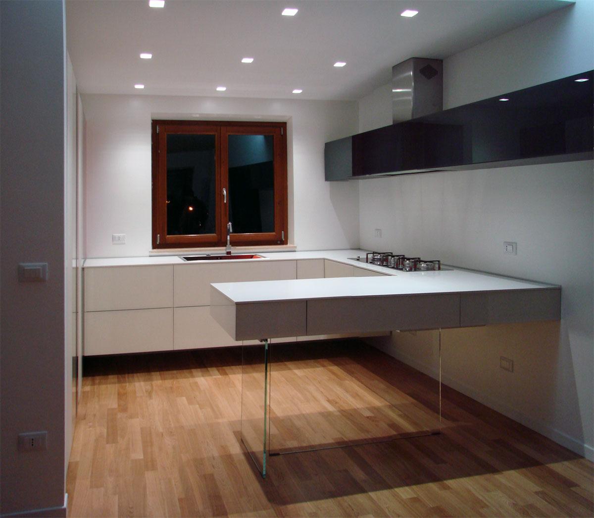 La cucina LAGO di Gilda un\'altra opera di dimensione legno a ...