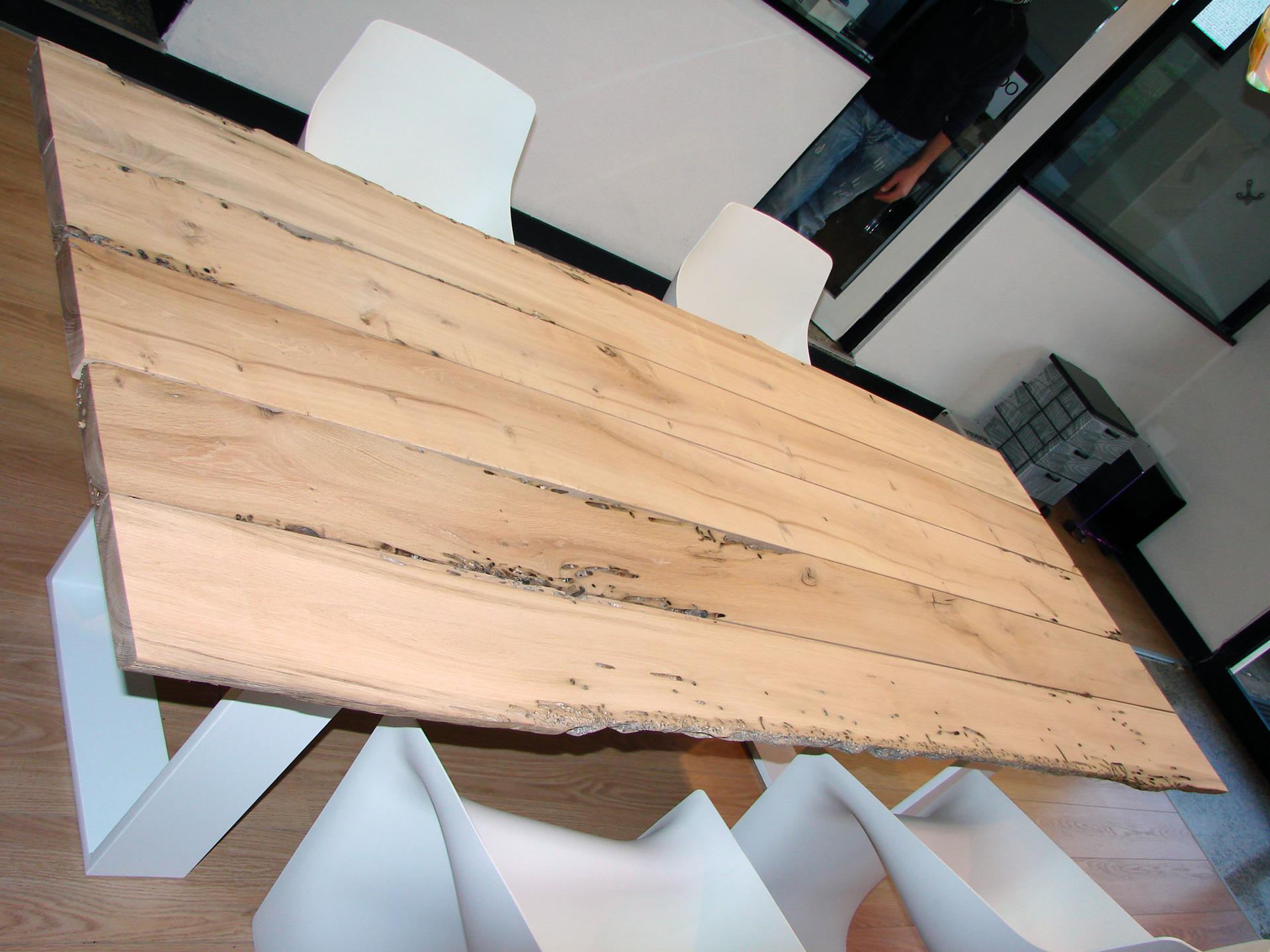 Collezione Briccole Riva 1920 : Dimensione legno presenta il tavolo riva newton